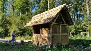 die weitgehend fertige Weberhütte