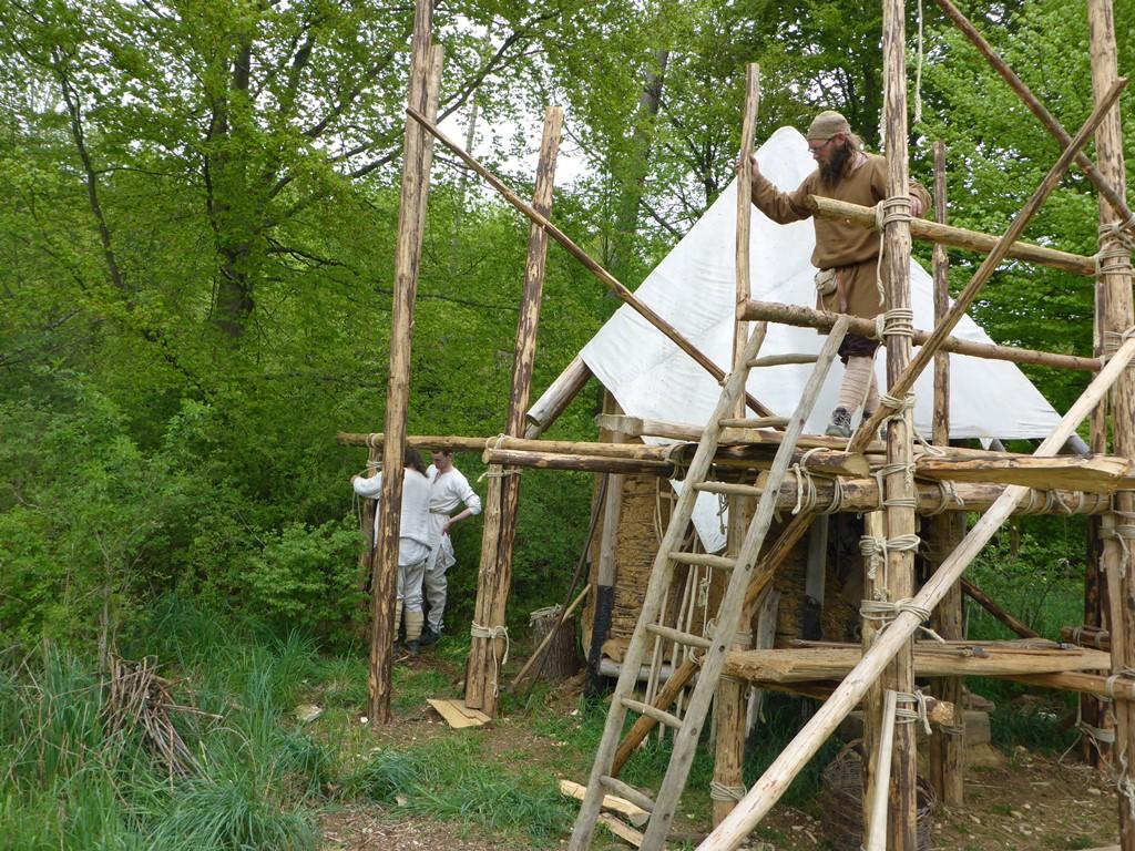 Ein Dach für die Feldhütte
